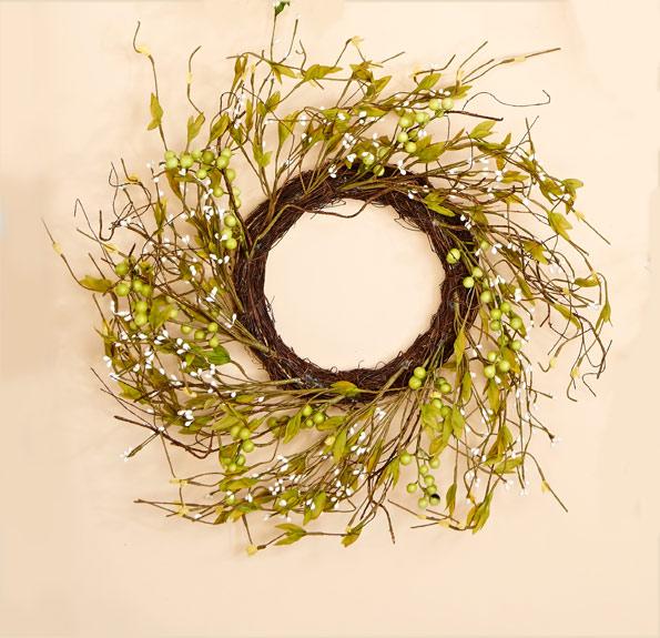 "18"" Wild Berry & Leaf Wreath"