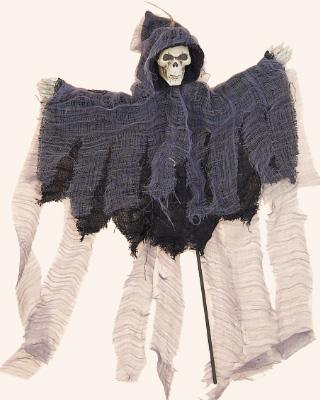 "18"" Black Reaper on Stake"