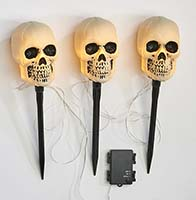 "43"" Light Up Triple Skull Stake With Timer"