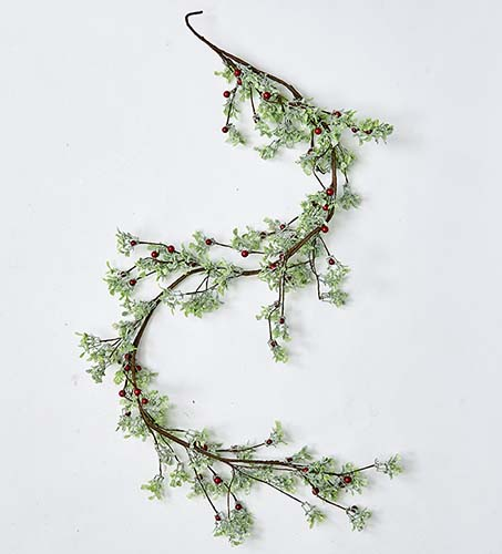 """59"""" GREEN LEAVES AND RED BERRIES GARLAND"""