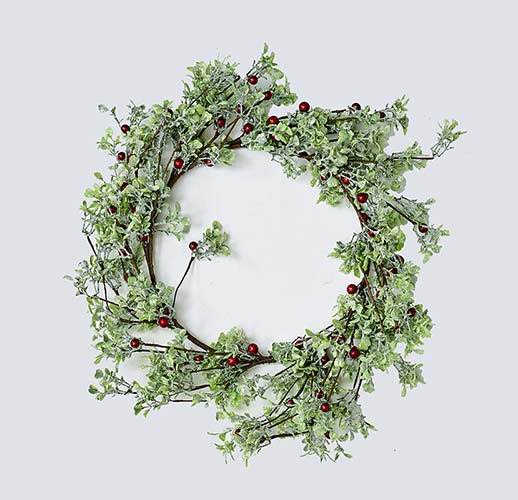 "18"" GREEN LEAVES AND RED BERRIES WREATH"